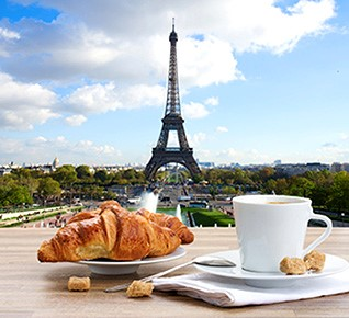 2016_French Eiffel Tower and croissant