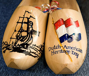 Dutch-American-Heritage-Clogs-Blue-300