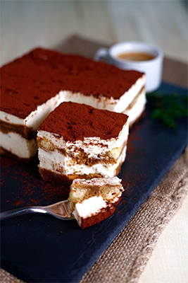 Italian-coffee-and-Tiramisu-400px