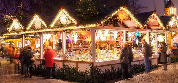 Dordrecht-Christmas-Stall