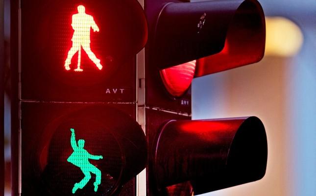 Elvis-Traffic-Lights